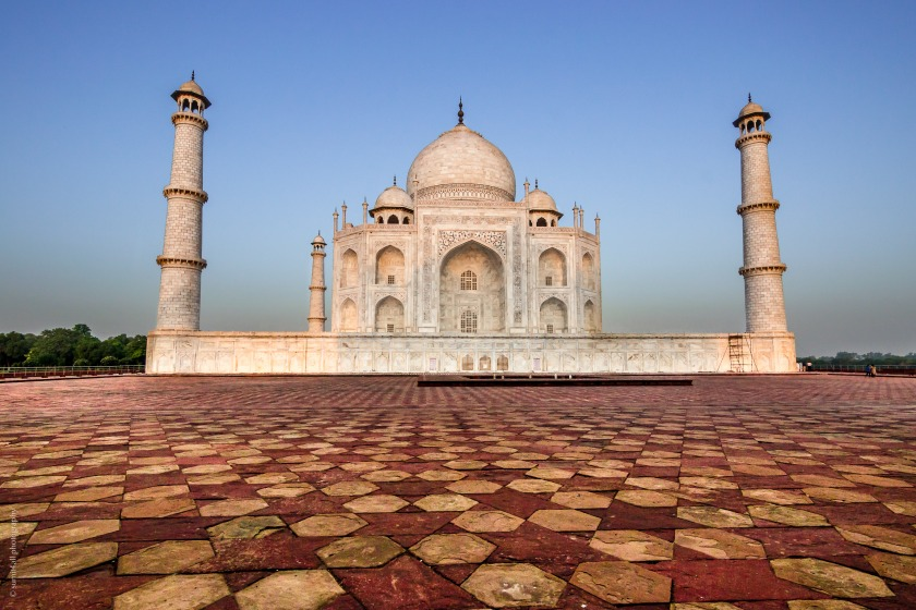 The mesmerizing and beautiful Taj Mahal