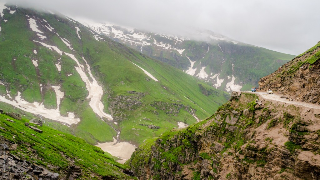 The landscape near Rohtang Pass is wet and green