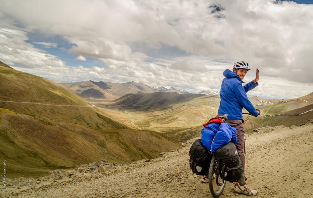 A biker near the Tangalang La pass