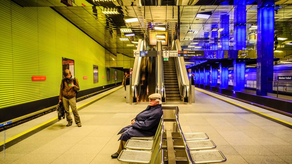Münchner Freiheit Station