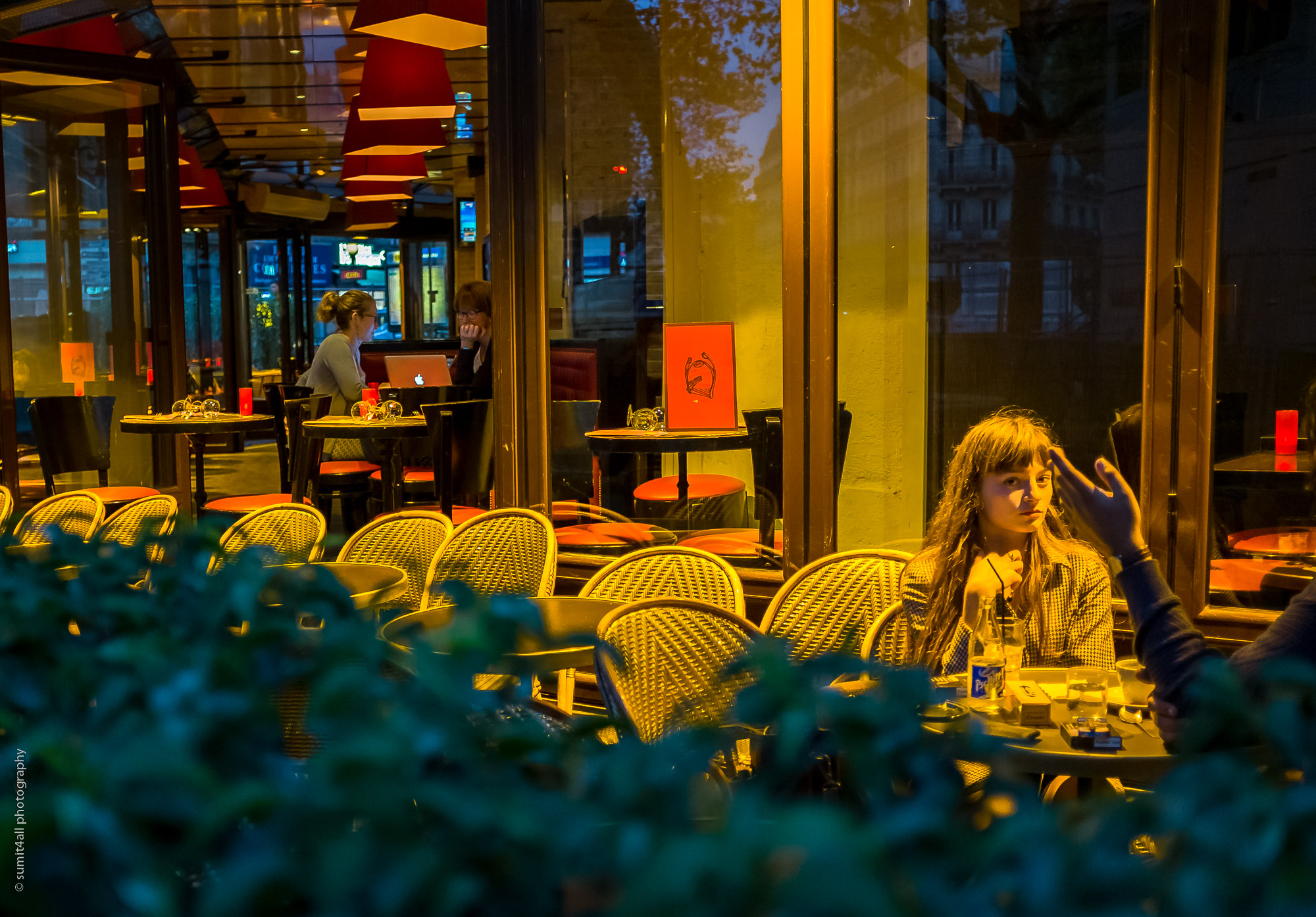 An Evening in a Paris Cafe