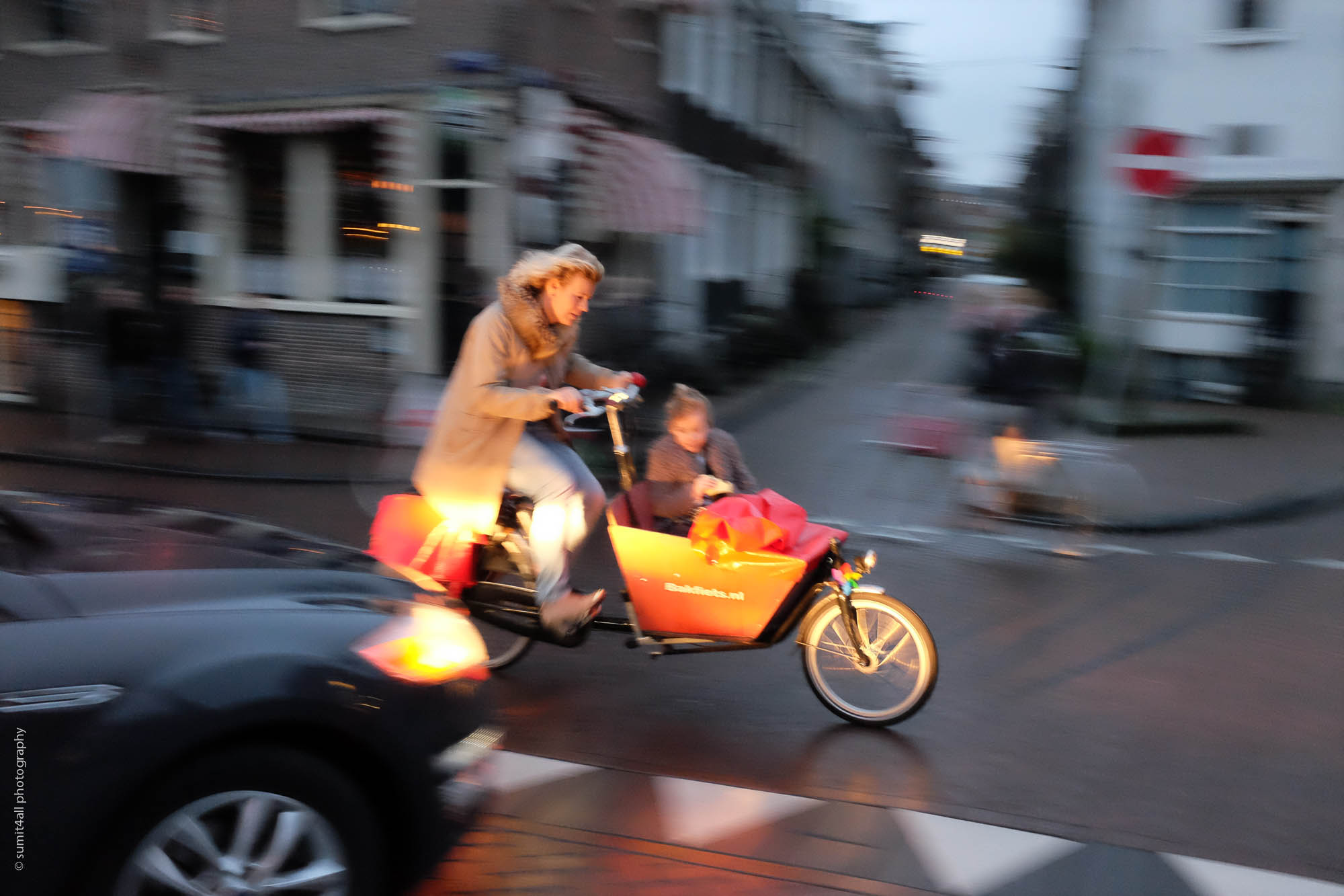 Going to School with Mom - the Amsterdam Way