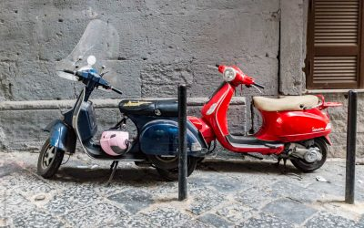 Street Life in Naples – Italy in the Extreme in 13 Photos